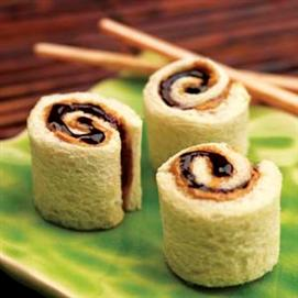 peanut butter and jelly sushi rolls